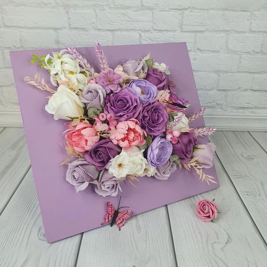 Интерьерная рамка из мыльных цветов