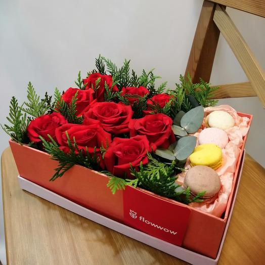 Цветы в коробке и сладости 😉💯