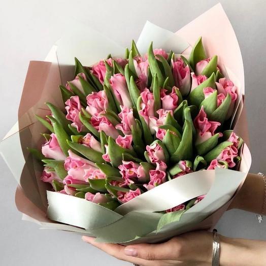 Букет из ажурных тюльпанов 51 шт