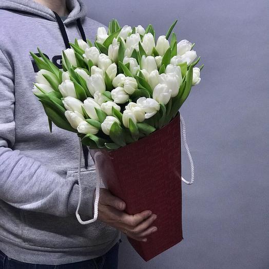 Конус белых Тюльпанов
