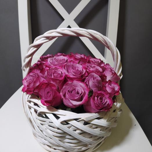 25 роз Дип Перпл в корзине