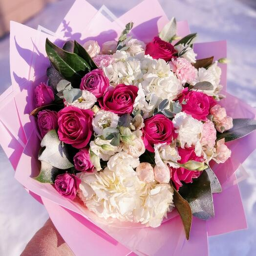 Букет с розами Пинк Флойд и гортензиями