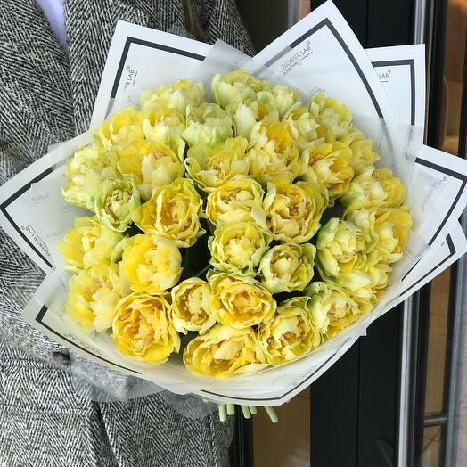 Букет из желтых пионовидных Тюльпанов