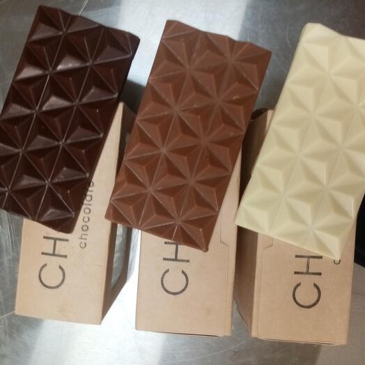Набор из трех видов шоколада :тёмный, белый и молочный на кокосовом молоке