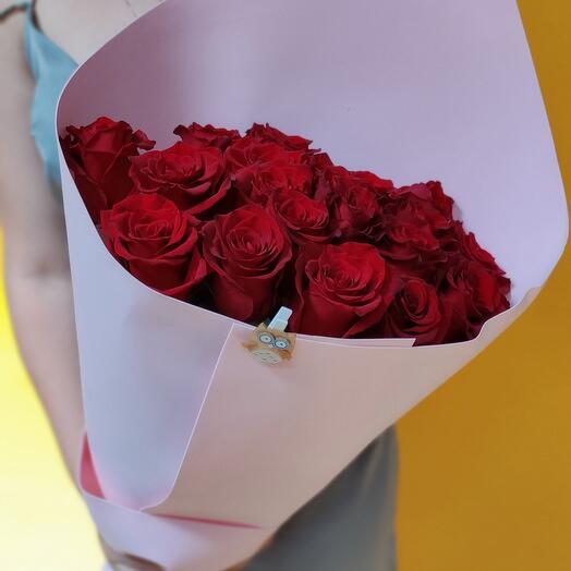 19 премиальных роз