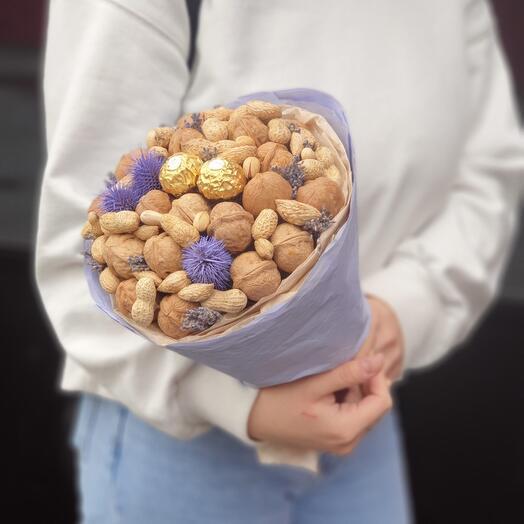 Ореховый букет с Ferrero Rocher и лавандой 1.3