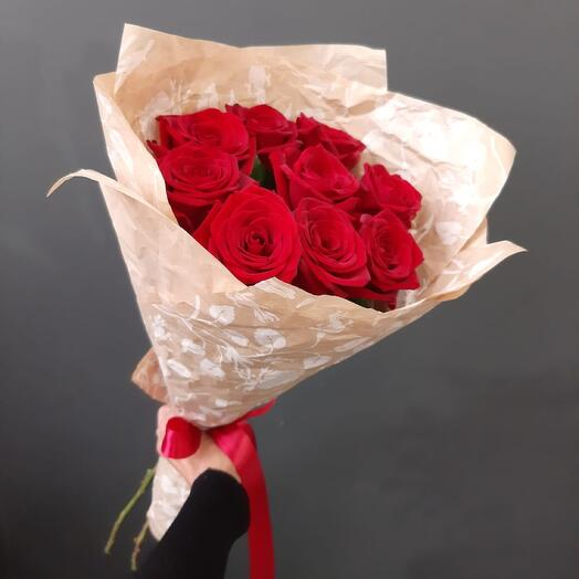 9 Роз в сжатом крафте