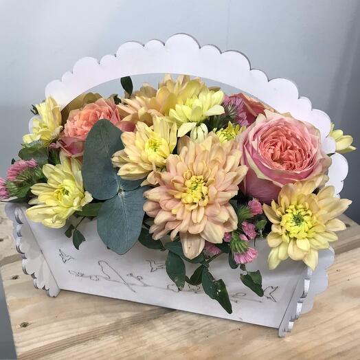 Ящик с цветами