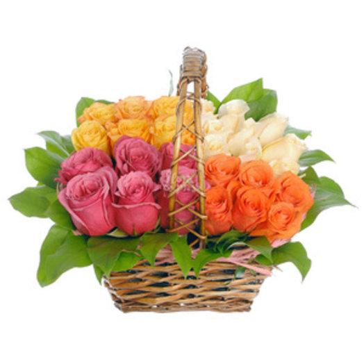 Корзина Розы в лукушке: букеты цветов на заказ Flowwow
