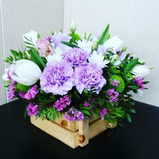 Деревянный ящичек с цветами: букеты цветов на заказ Flowwow
