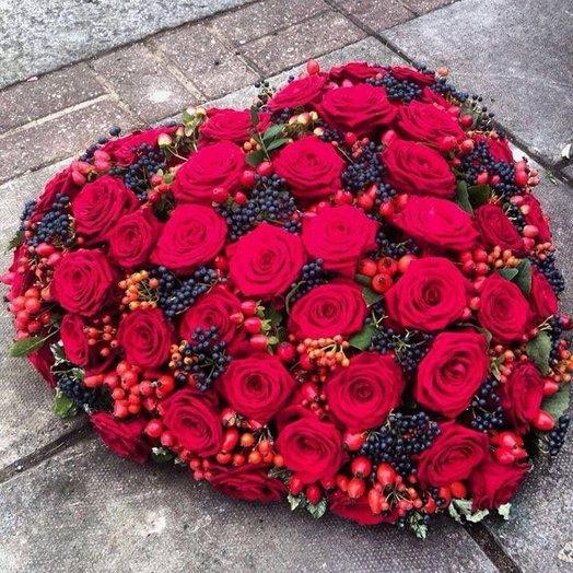 Стильное сердце из живых цветов: букеты цветов на заказ Flowwow