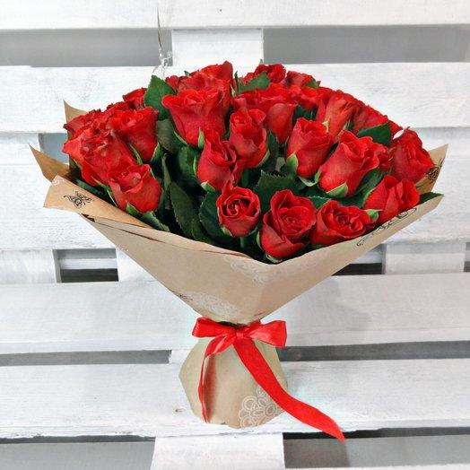 Роза Кения 35 шт в крафт-бумаге: букеты цветов на заказ Flowwow