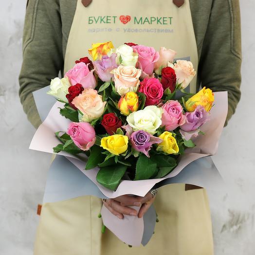 Букет из 25 разноцветных кенийских роз