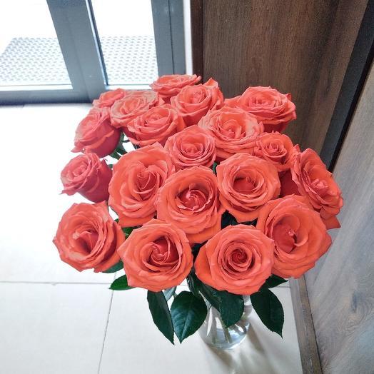 Букет из алых роз: букеты цветов на заказ Flowwow