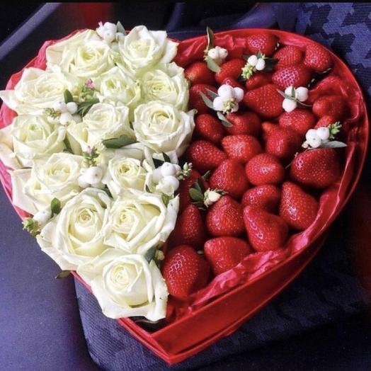 Клубничная коробочка «моё сердце»: букеты цветов на заказ Flowwow