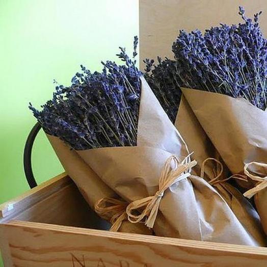 Лаванда в крафте: букеты цветов на заказ Flowwow