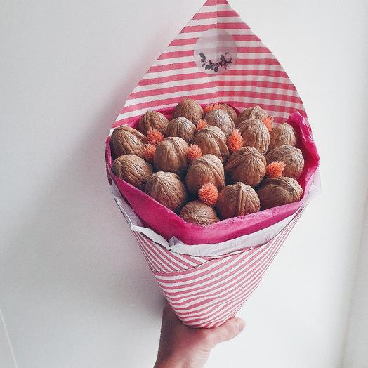 Букет из грецких орехов и лагуруса: букеты цветов на заказ Flowwow