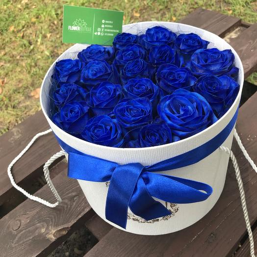 Blue Roses in Hat box: flowers to order Flowwow