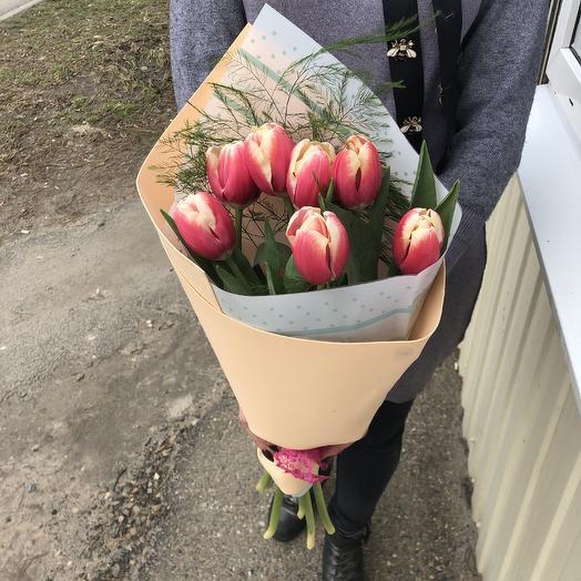 7 тюльпанов: букеты цветов на заказ Flowwow