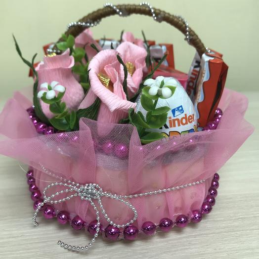 Киндер-сюрприз: букеты цветов на заказ Flowwow