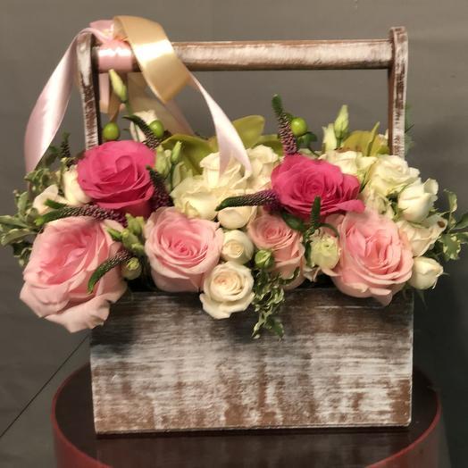 Ящик из Розы  кустовой «Джамбул»: букеты цветов на заказ Flowwow