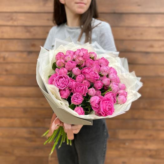 Букет «Кустовая пионовидная роза»