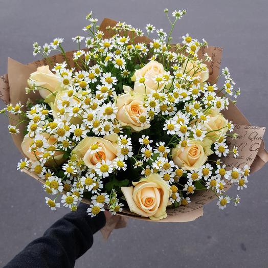 Ромашка с розами
