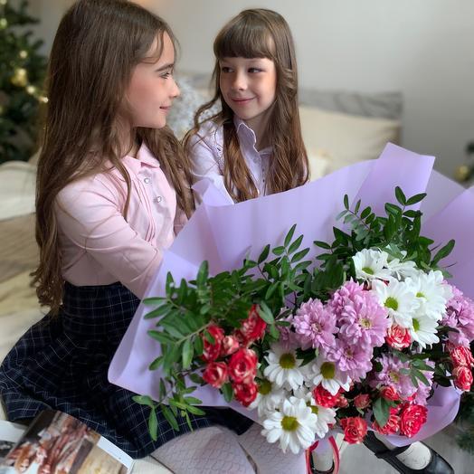 Букет с кустовыми розами «с твои днем, мама!»