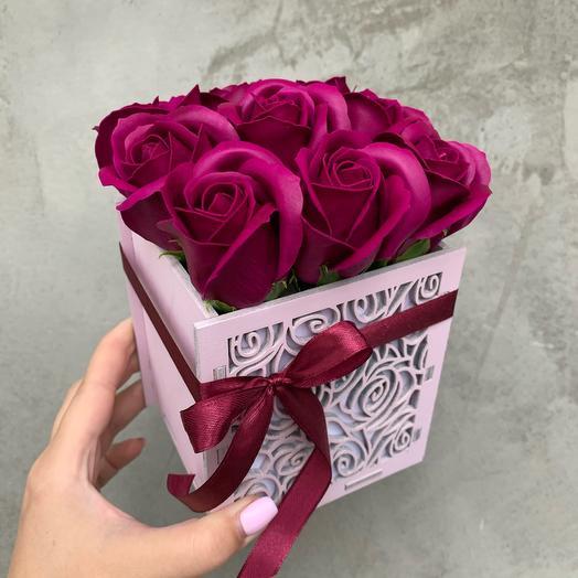 Цветы в коробке 9 мыльных роз
