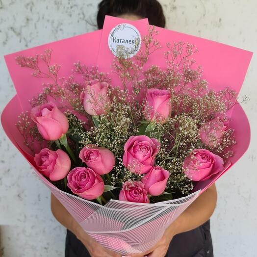 11 роз с гипсофилой