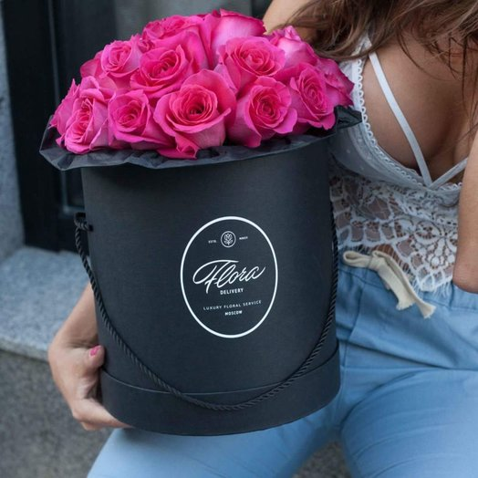 Розы Pink Floyd в шляпной коробке Grand Black