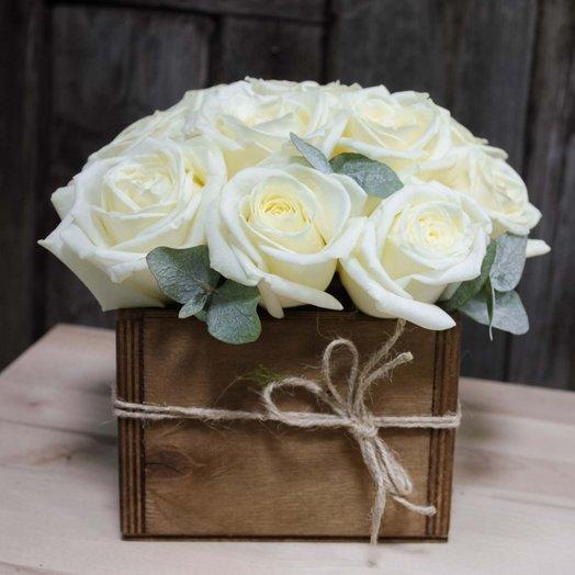 Белые розы в ящике 25арт1301: букеты цветов на заказ Flowwow