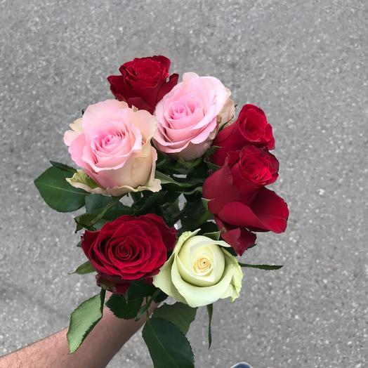 Букет из 7 разноцветных кенийская роза: букеты цветов на заказ Flowwow