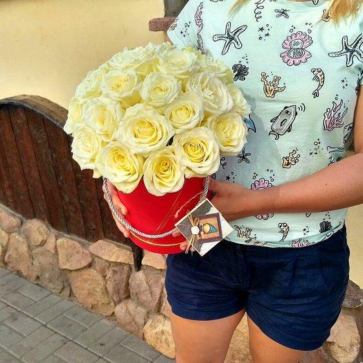 Бокс с белыми Розами: букеты цветов на заказ Flowwow