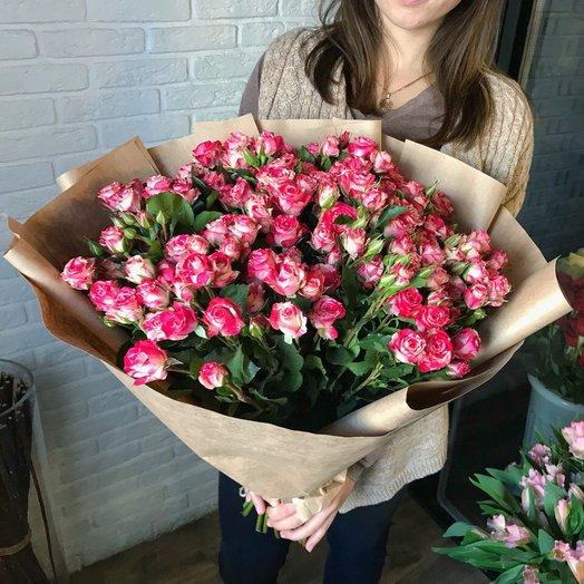 Букет собран исключительно из кустовой розы: букеты цветов на заказ Flowwow