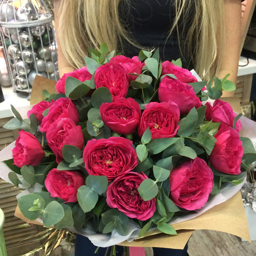 Букет из 19 пионовидных роз сорта Баронесса: букеты цветов на заказ Flowwow