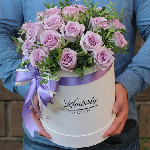 19 сиреневых роз: букеты цветов на заказ Flowwow