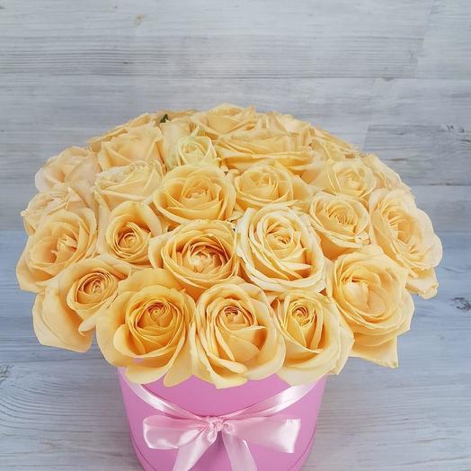 Коробка кремовых роз: букеты цветов на заказ Flowwow