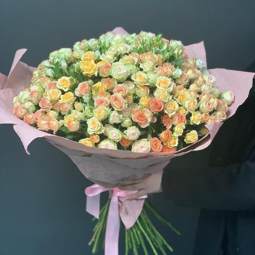 Букет из 51 микс кустовой розы