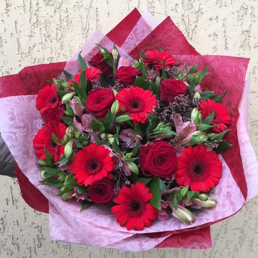 Красный микс: букеты цветов на заказ Flowwow