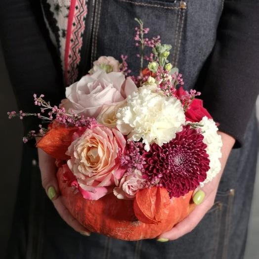 Композиция с тыквой: букеты цветов на заказ Flowwow