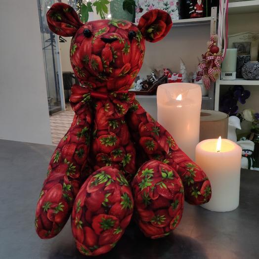 """Медвежонок """"Клубничка"""" ручной работы: букеты цветов на заказ Flowwow"""