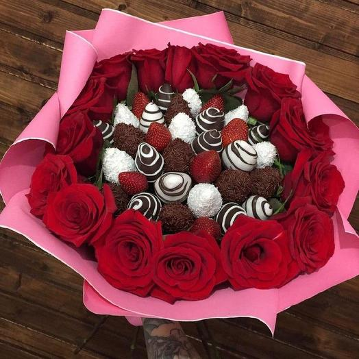"""A bouquet of Chocolate-covered Strawberries """"Contrast"""""""