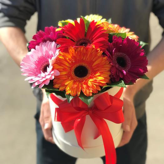 Коробки с цветами. Герберы . N89: букеты цветов на заказ Flowwow