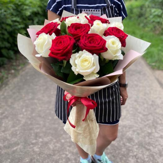 17 свежих роз