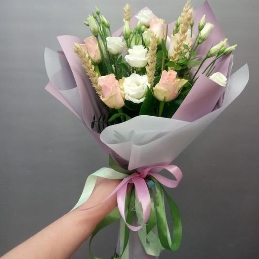 Букет-комплимент из роз и колосков