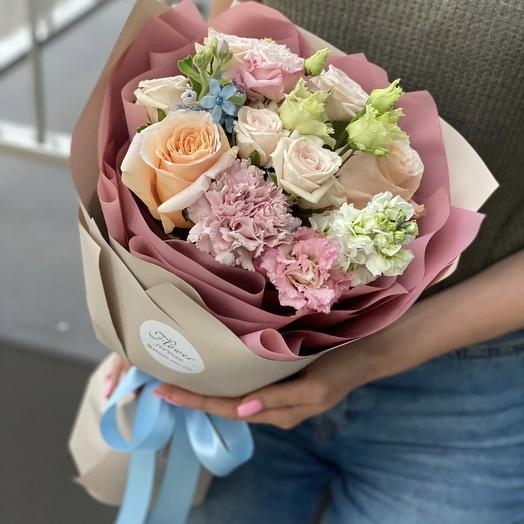 A bouquet of single and spray roses, matthiola, oxypetalum and eustoma Leticia