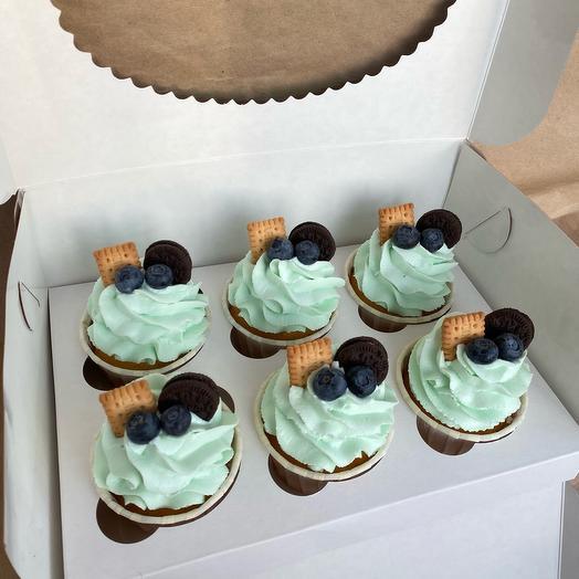 Капкейки со свежей голубикой и печеньками Oreo и Leibniz
