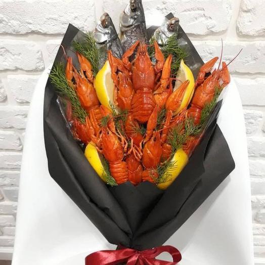 Букет из раков и рыбы