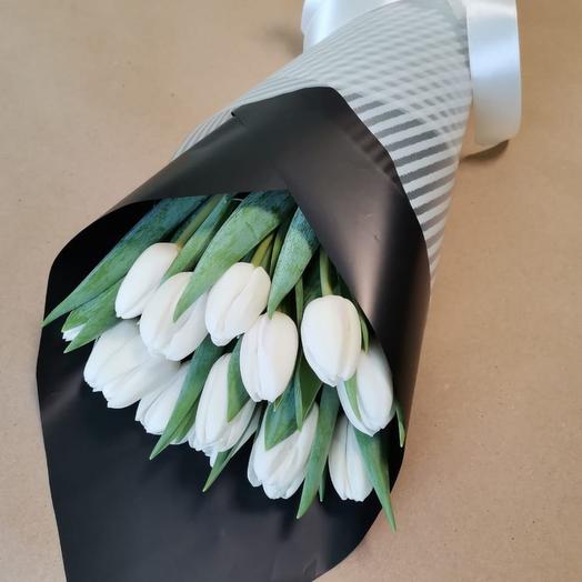 Корпоративные букеты из 15 белых тюльпанов
